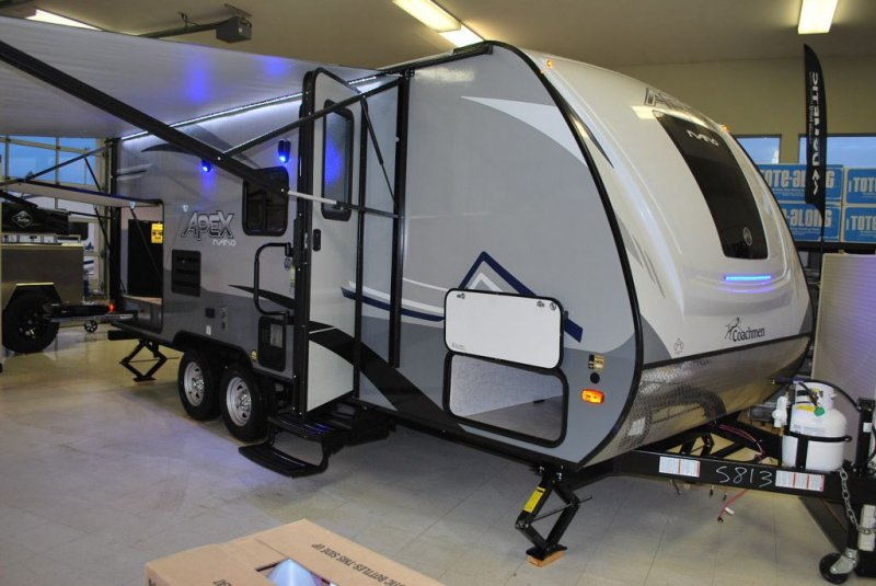 2020 COACHMEN APEX NANO 203 RBK