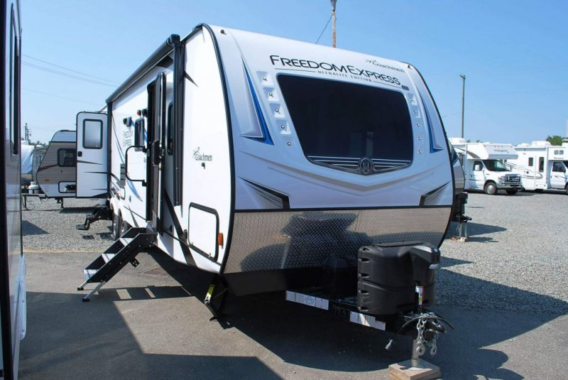 2020 COACHMEN FREEDOM EXPRESS 310BHDS