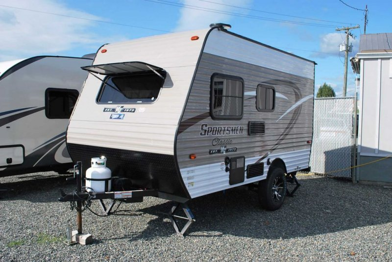 2018 KZ RV LTD. SPORTSMEN CLASSIC 130 RB