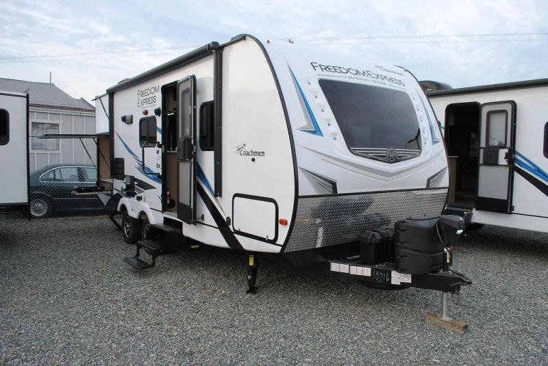 2020 COACHMEN FREEDOM EXPRESS 231 RBDS