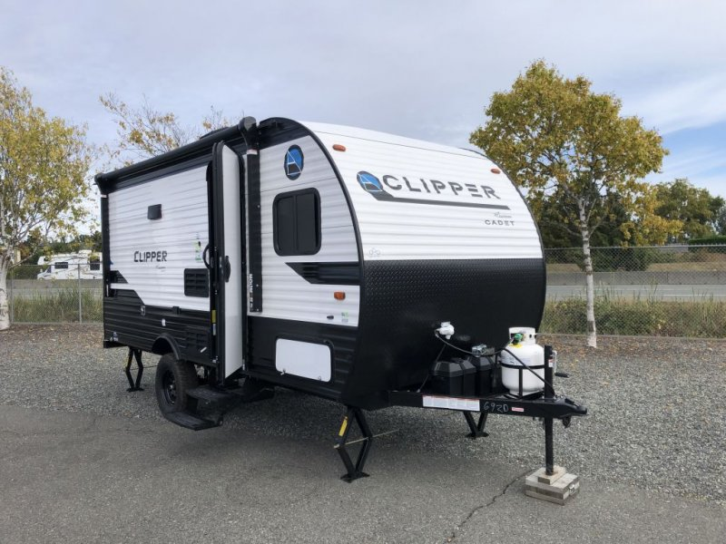 2021 COACHMEN CLIPPER CADET 17CBH