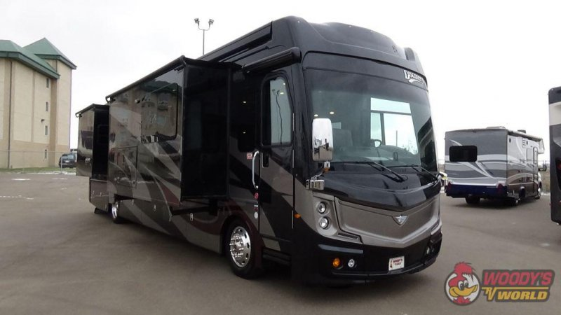 2019 FLEETWOOD INDIANA DISCOVERY LXE 40D-LXE