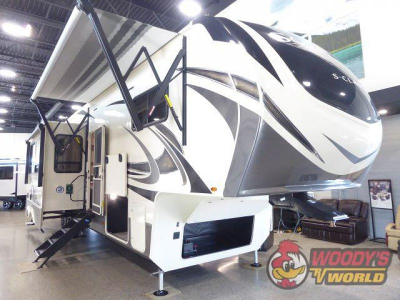 2021 GRAND DESIGN RV COMPANY SOLITUDE S-CLASS 3740BH-R