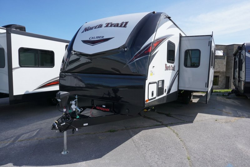 2019 HEARTLAND NORTH TRAIL KING 33 BKSS