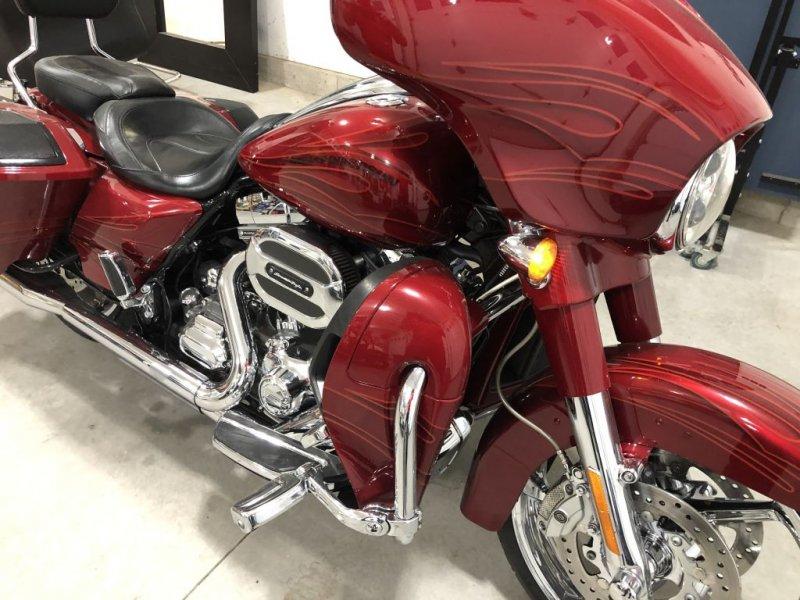 2016 Harley Davidson Street Glide CVO Screaming Eagle