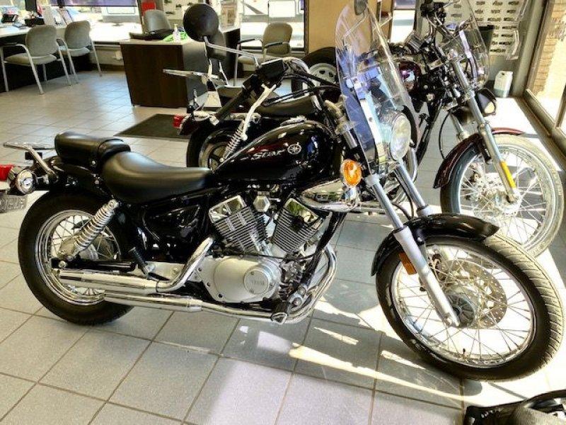 2011 MOTORCYCLE Yamaha V2C
