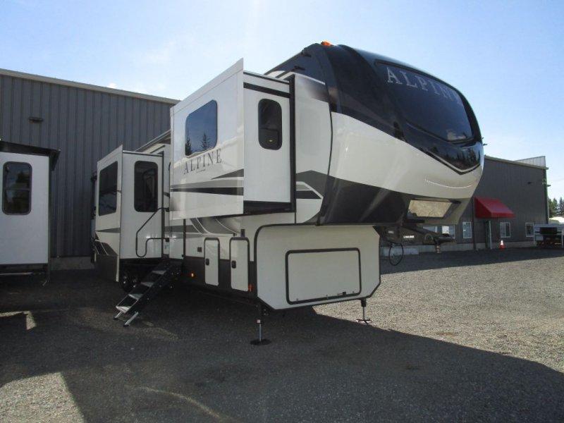 2022 KEYSTONE Alpine 3712KB Front Living