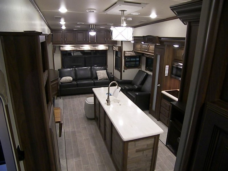2019 FOREST RIVER COLUMBUS 366RL