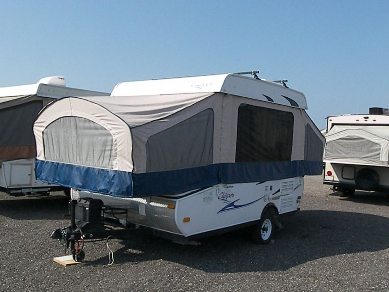 2012 COACHMEN CLIPPER 106ST