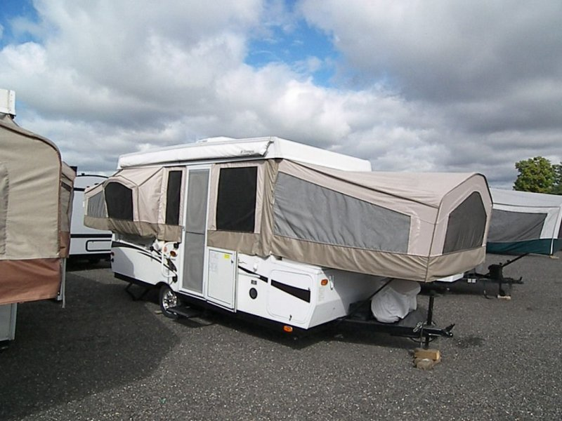 2011 FOREST RIVER FLAGSTAFF PO425D
