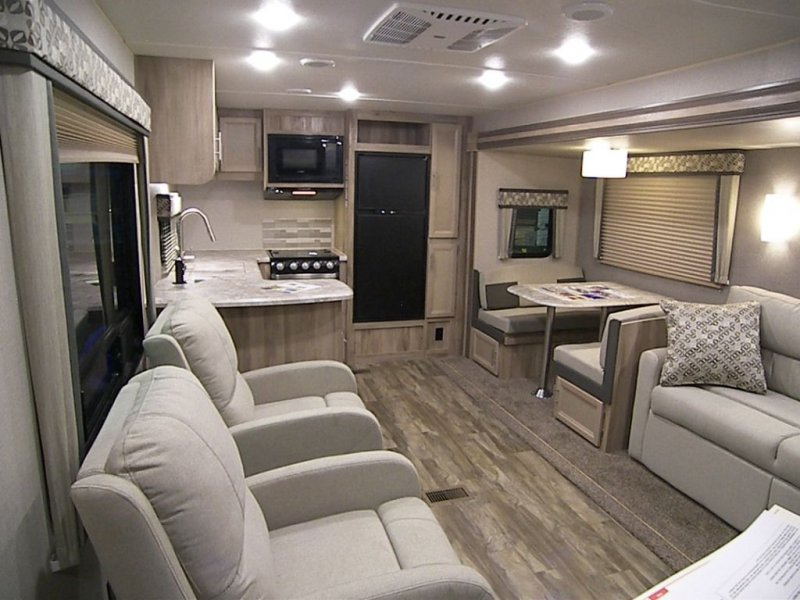 2020 COACHMEN CATALINA LEGACY EDITION CAT303RKDS