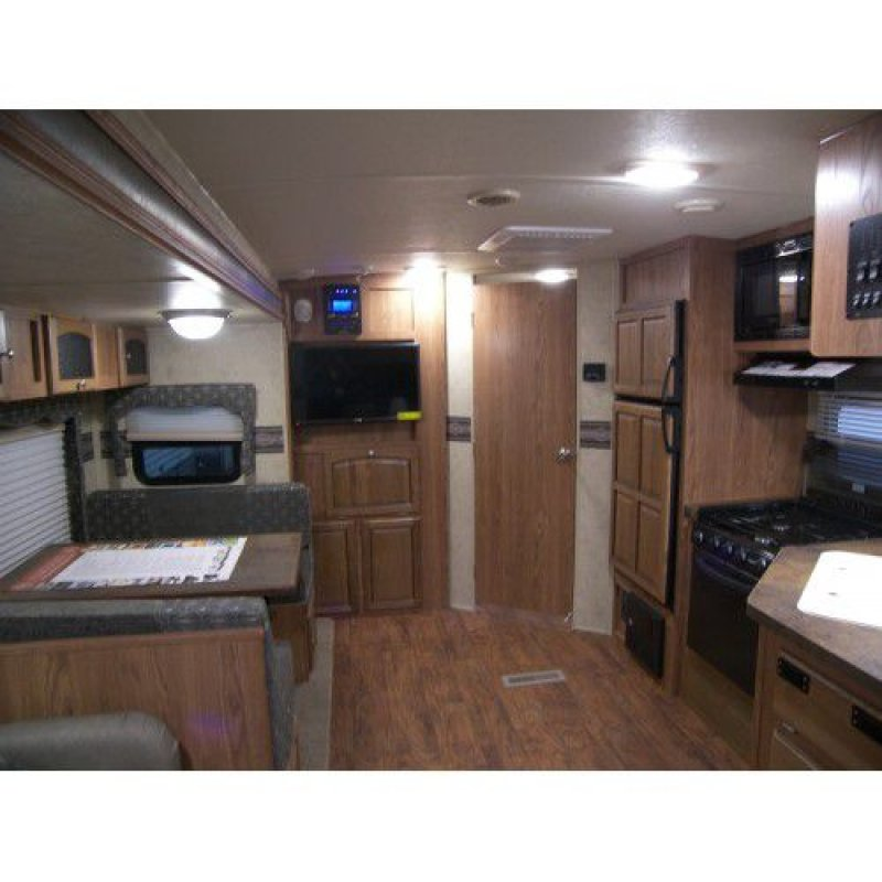 2015 FOREST RIVER FLAGSTAFF 26RLWS