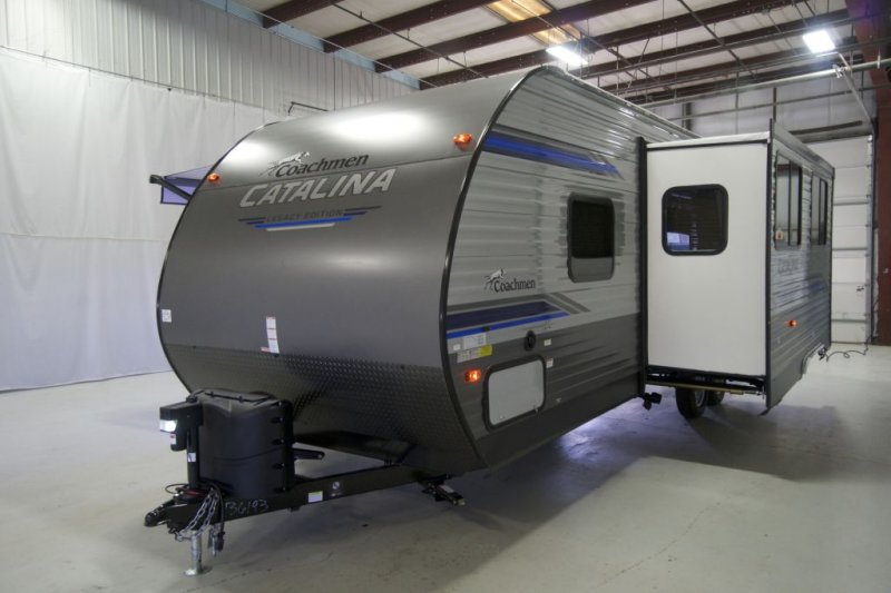 2021 COACHMEN CATALINA LEGACY EDITION CAT263BHS