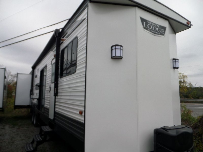 2022 FOREST RIVER Lodge 42QBQ-8