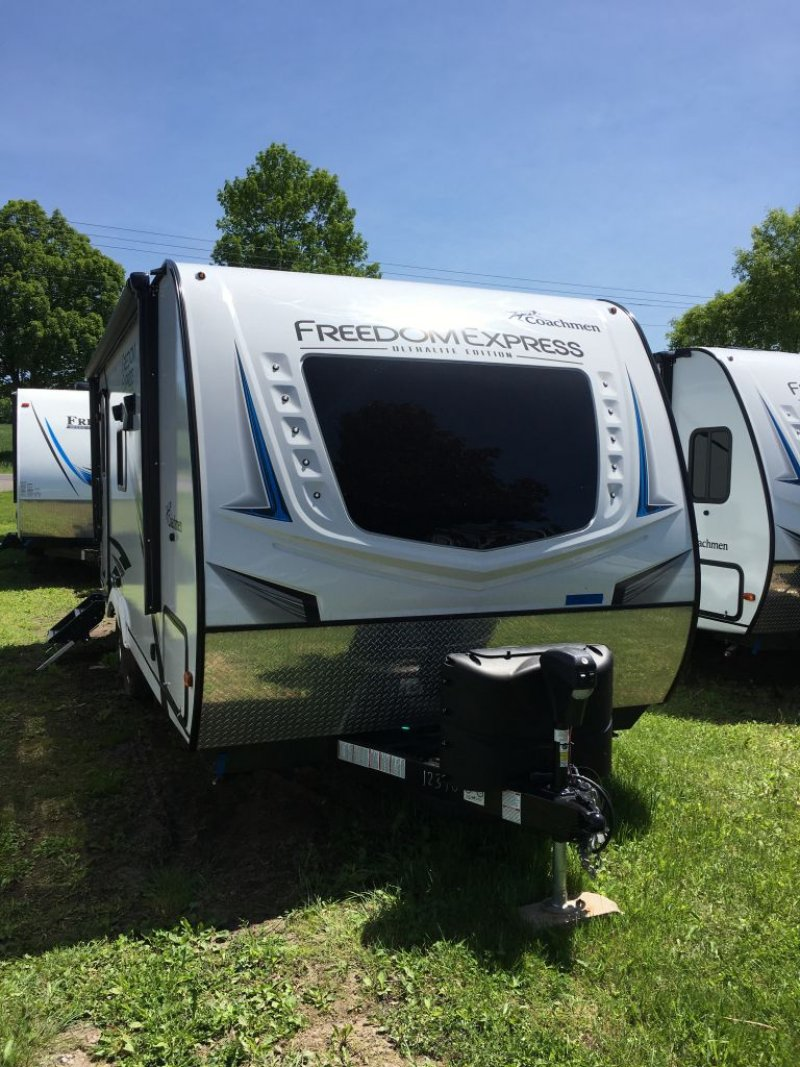 2021 COACHMEN FREEDOM EXPRESS 204 RD
