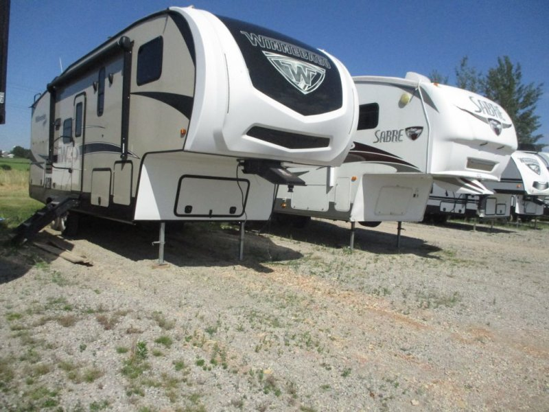 2018 WINNEBAGO MINNIE PLUS 27REOK