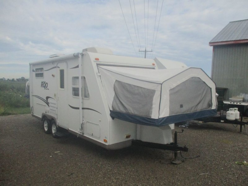 2004 FOREST RIVER Rockwood Roo 21B