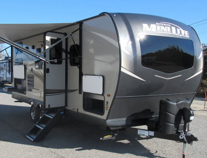 2021 FOREST RIVER ROCKWOOD MINI LITE 2509S